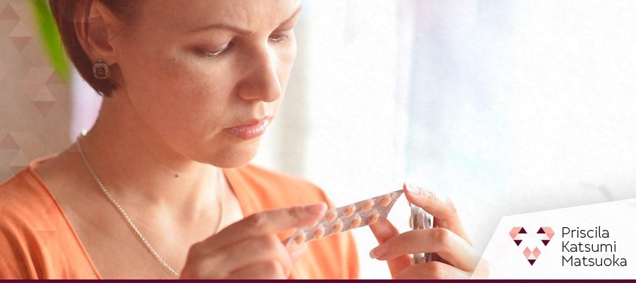 priscila-matsuoka-blog-emensar-cartelas-anticoncepcional